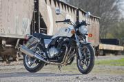 Honda CB1100 - Great-looking retro modernity